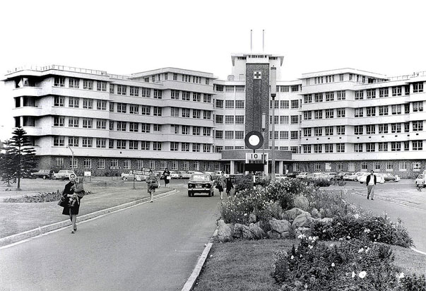 The Red Cross War Memorial Children's Hospital was built in 1956 and is the largest, stand alone tertiary hospital dedicated entirely to child healthcare in Southern Africa. Itis also a teaching hospital for the University of Cape Town.